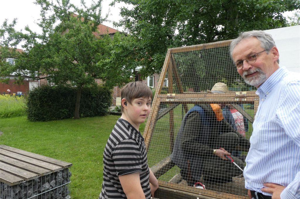 Norbert Heßling arbeitet gern mit den Kindern zusammen.