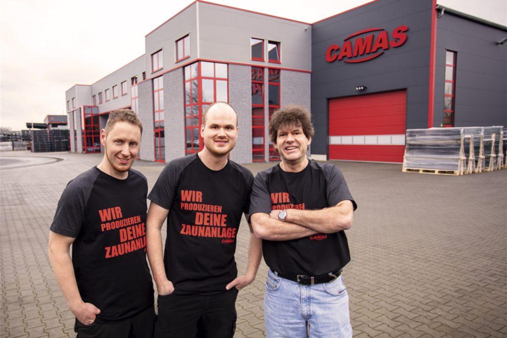 BPS-Geschäftsführer Benjamin Schmudde mit seinem Vater Markus, Geschäftsführer von Camas (r.), und Werkleiter Oliver Schefer (l.).