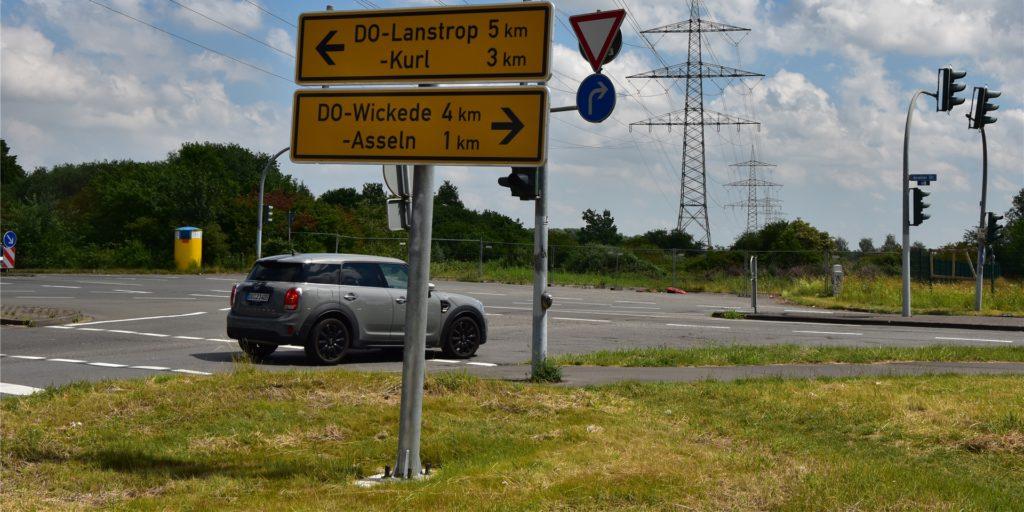 Noch können Autofahrer am Ende der Brackeler Straße nicht geradeaus weiterfahren.