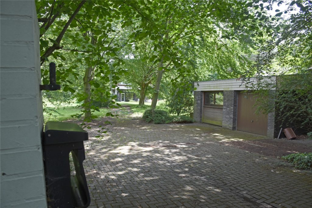 Auf diesem Grundstück Am Gorbach soll das Wohnprojekt mit - Stand Juni 2020 - 40 Wohneinheiten in mehrere Wohnkuben und zwei Doppelhäusern entstehen.