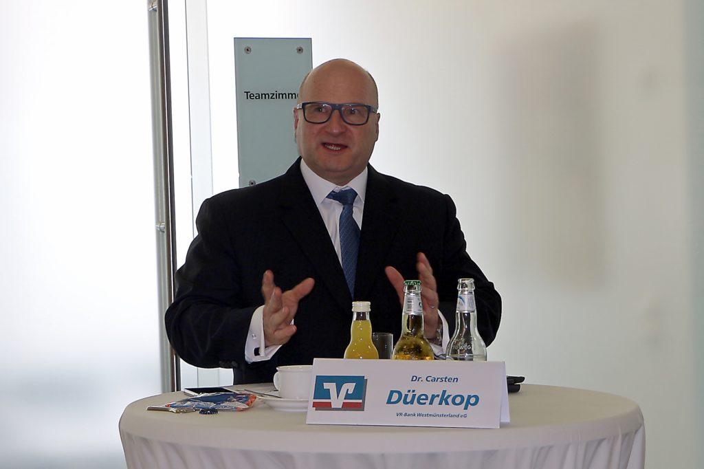 Erstmals in der Funktion als Vorstandsvorsitzender der VR-Bank Westmünsterland konnte Dr. Carsten Düerkop die Sprecher der Genossenschaftsbanken im Kreis Borken begrüßen.