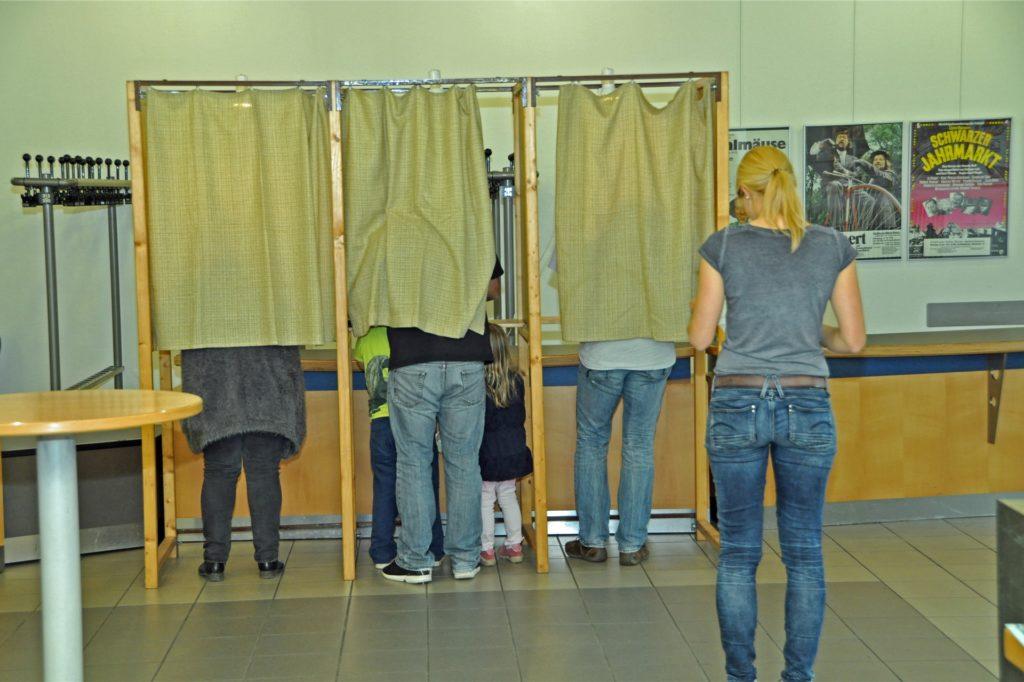 Solche Kabinen, wie hier bei der Landtagswahl 2017 im Kolpinghaus, wird es aus hygienischen Gründen bei der Kommunalwahl 2020 nicht geben.