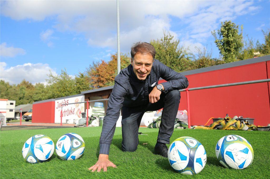 Martin Broll ist am Fuchsweg beim SuS Merklinde der Sportliche Leiter und kümmert sich um Neuzugänge.