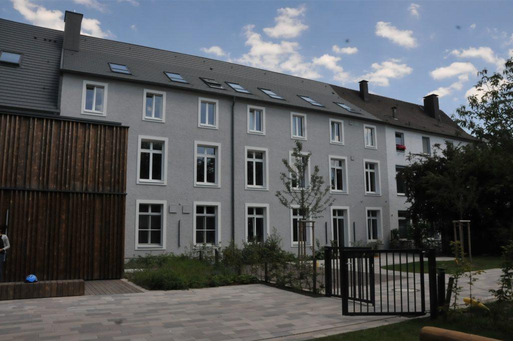 In diesem Gebäude des SOS Kinderdorfs Dortmund wohnen 13 Kinder Jahren. Hier werden sie so lange betreut, bis sich eine Alternative für ihren weiteren Weg ergeben hat.