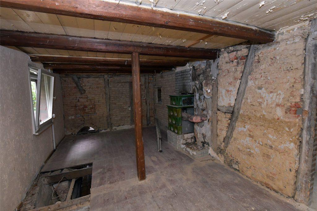 Der Gastraum des ehemaligen Cafés sieht heute so aus: Das Haus wird gerade umgebaut.