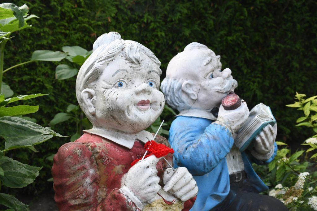 Ein kleines Detail im Garten von Josefa Lobeck: Die Figur hat