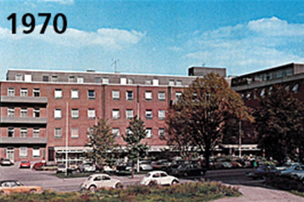 Die Ansicht von 1970 hat schon viel Ähnlichkeit mit der heutigen. Zur linken Seite Richtung Ölpfad wurde das Gebäude 1950 verlängert.