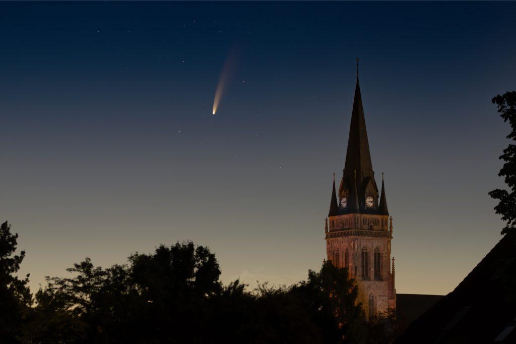 Diese Aufnahme ist am Morgen des 13. Juli in der Nähe der Lambertus-Kirche in Ascheberg entstanden.