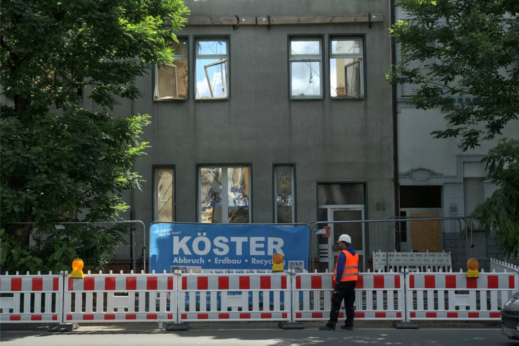 So sah die Front des Brandhauses an der Münsterstraße noch am Mittwoch aus.