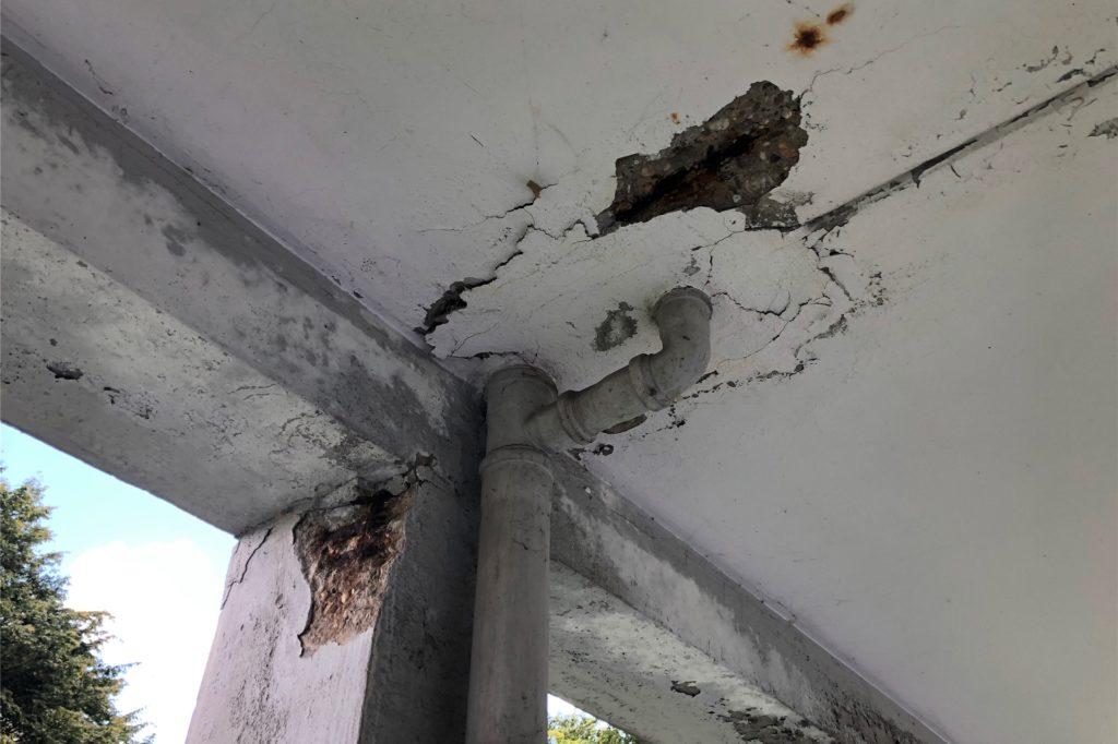 Seit die LEG das Gebäude verwaltet, sei der allgemeine Zustand schlechter geworden und Schäden würden nicht behoben.