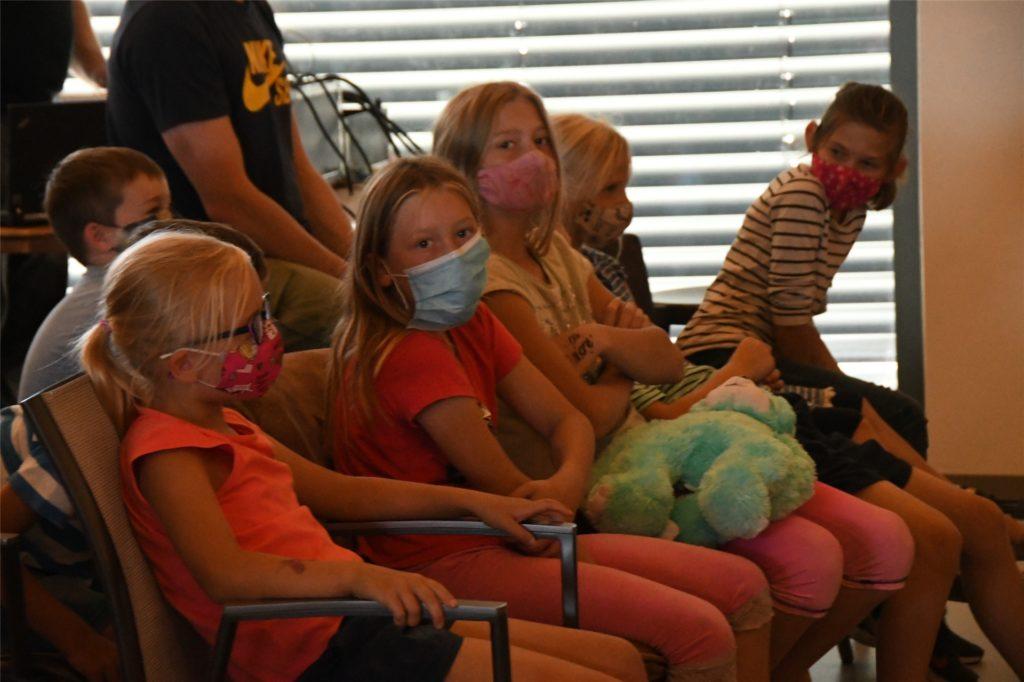 Die Kinder waren voll bei der Sache und hatten ihren Spaß am Kindertheaterstück.