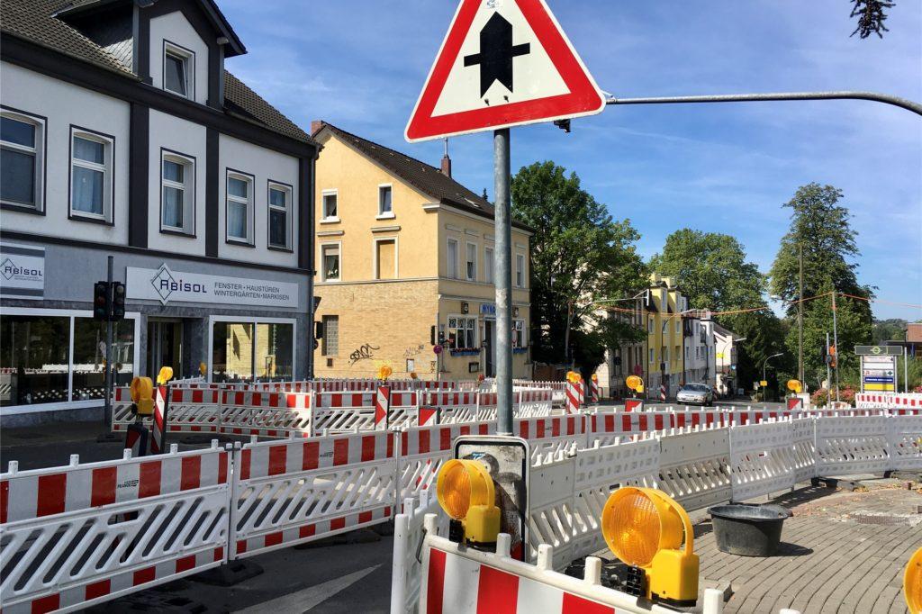 Die Baustelle Harkortstraße/Fichtenstraße ruht, bis der Giftfund geklärt ist.