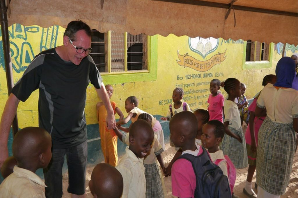 """""""Eines seiner Herzensanliegen waren die Medicalcamps, in denen Dorfbewohner aufgrund der Vereinsspenden kostenlos ärztlich behandelt wurden"""", schreibt der Verein Keniahilfe Nordkirchen über den ehemaligen 2. Vorsitzenden Hülsbusch."""