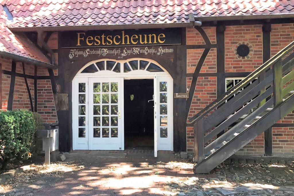 Die Münsterland Zeitung lädt am Dienstag, 25. August, zur Podiumsdiskussion mit den Legdener Bürgermeisterkandidaten in die Festscheune des Dorfes Münsterland ein.