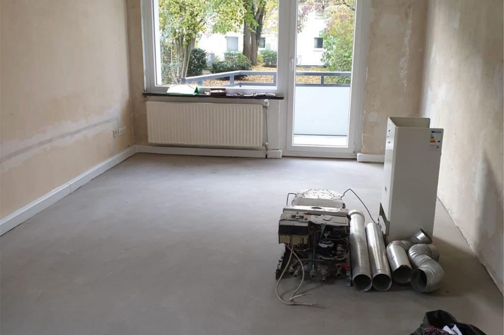 Die alte Therme stand knapp zwei Wochen lang mitten in der Wohnung der Dortmunderin. Eine neue wurde erst später eingebaut.