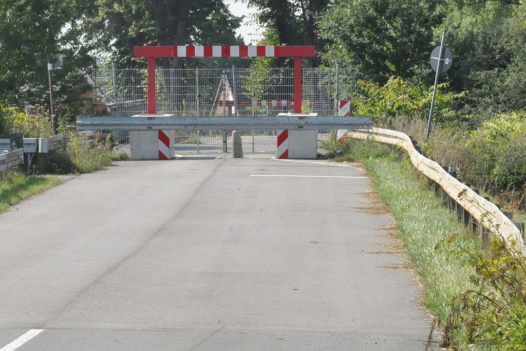 Die Lippebrücke Ahsen ist derzeit komplett gesperrt.