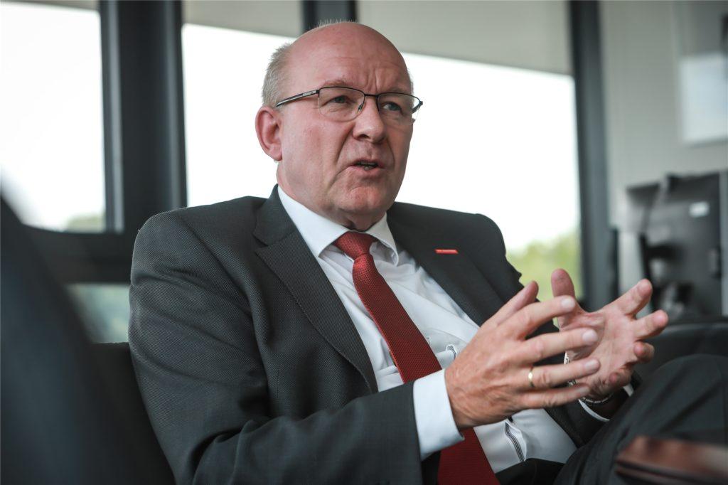Als Präsident der Handwerkskammer, die in Dortmund über 4000 Betriebe vertritt, wünscht sich Berthold Schröder, dass das Handwerk mit technischem Fortschritt assoziiert wird.