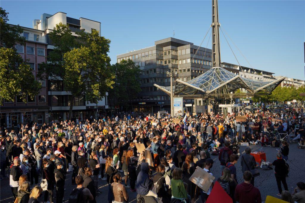 Rund 1000 Menschen kamen zur Kundgebung am Donnerstagabend in die Dortmunder City.
