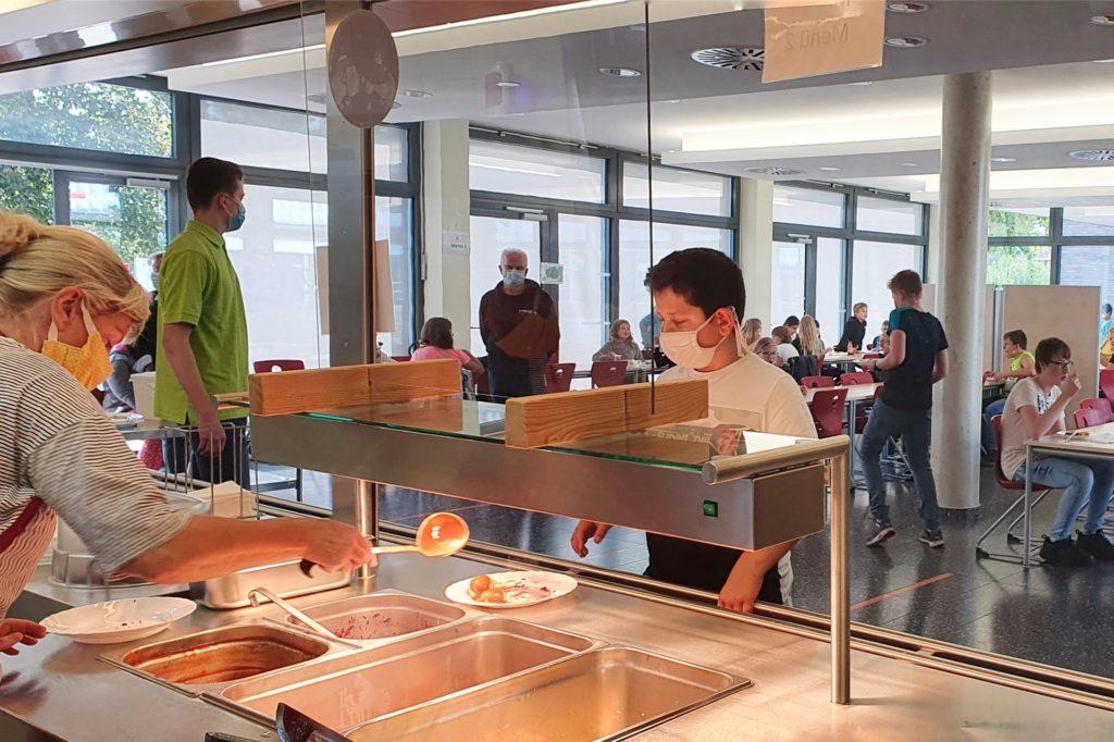 Seit 2013 arbeitet die Kreuzschule mit Meal-O in Sachen Bestell- und Abrechnungssoftware zusammen. Die Schüler bezahlen ihre Essen mit ihrem Schülerausweis, also bargeldlos.