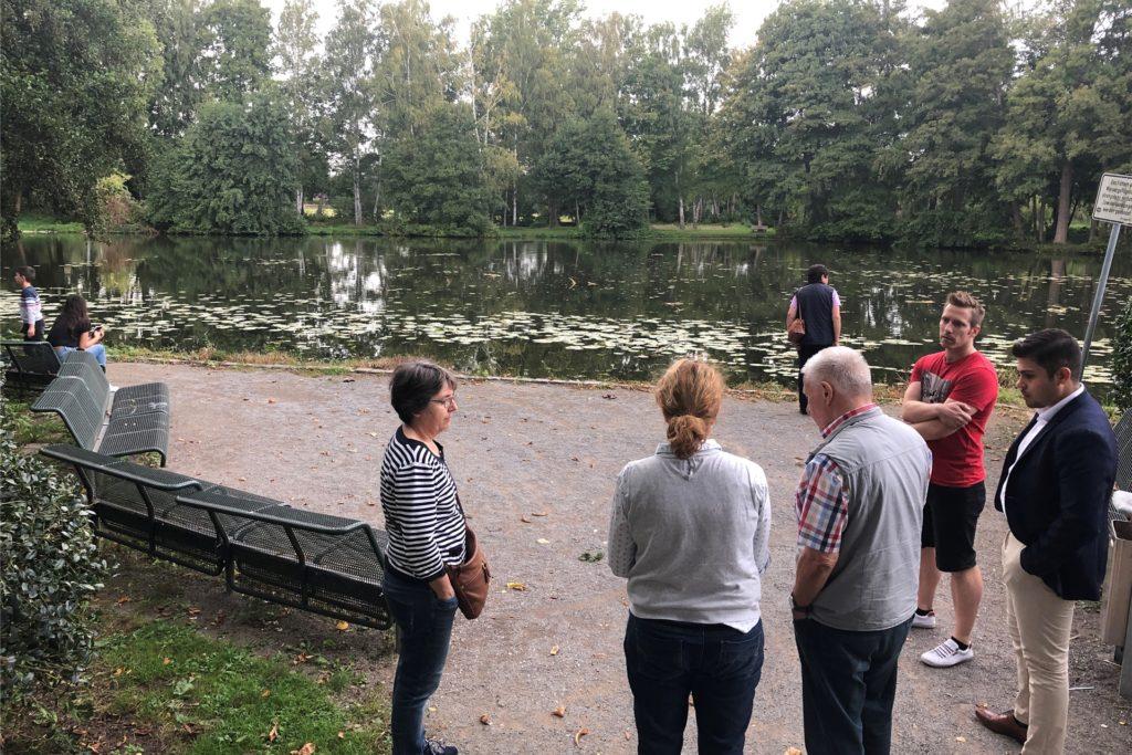Wie kann der kleine Platz zwischen Mühlenteich und Rathaus mehr Aufenthaltsqualität bekommen? Darüber diskutierten die DTP-Planer mit den Bürgern.