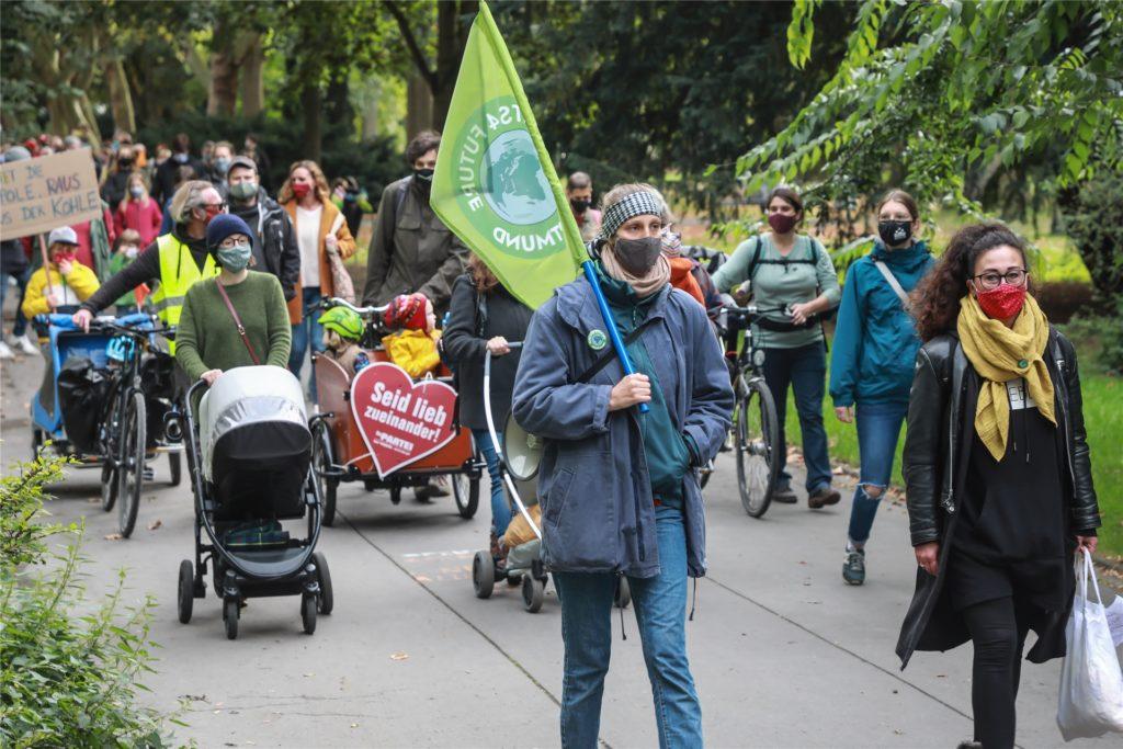 Einem Familienausflug ähnelte der Demonstrationszug, der im Westpark startete.