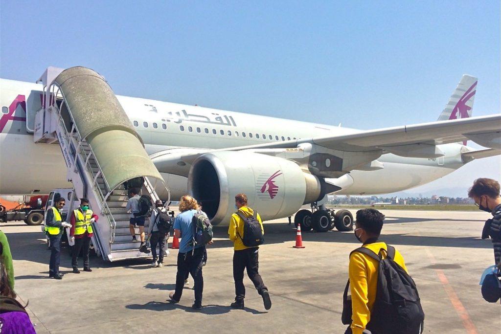 Der finale und auch letztmögliche Flug mit Qatar Airways war auch die Maschine für Dori Rindle und ihre beiden Kolleginnen.