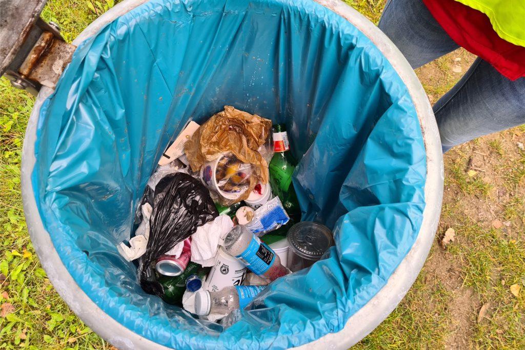 Bei der Sammelaktion kam einiges an Müll zusammen.