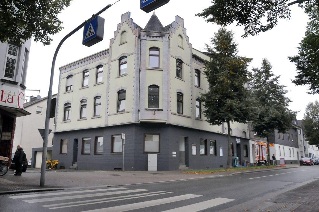 Die Praxisräume im früheren Haus Maifeld am Rosenweg blieben nach dem Auszug der Tierärztin Dr. Ulrike Janas nicht lange leer. Der Urologe Dr. Michael Sauer ist dort eingezogen.