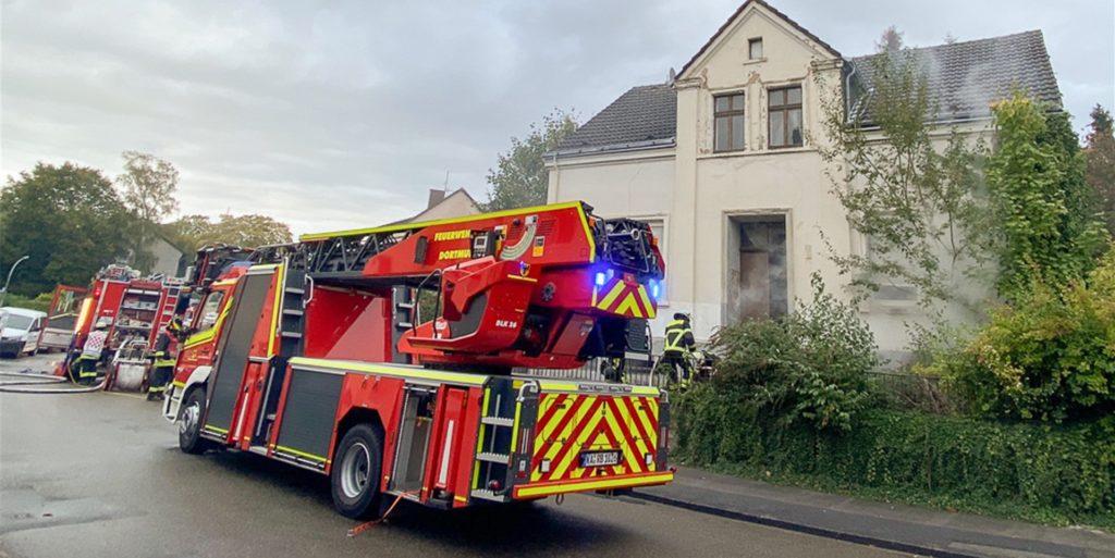 Am Sonntagmorgen musste die Feuerwehr wieder zu einem Kellerbrand im Dortmunder Westen ausrücken.
