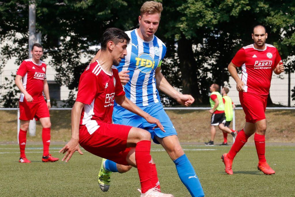 Nach langer Verletzungs-Pause wollte Lukas Ziegelmeir beim FC Brünninghausen wieder angreifen. Vor dem ersten Spieltag zog er sich dann eine Oberschenkelzerrung zu.