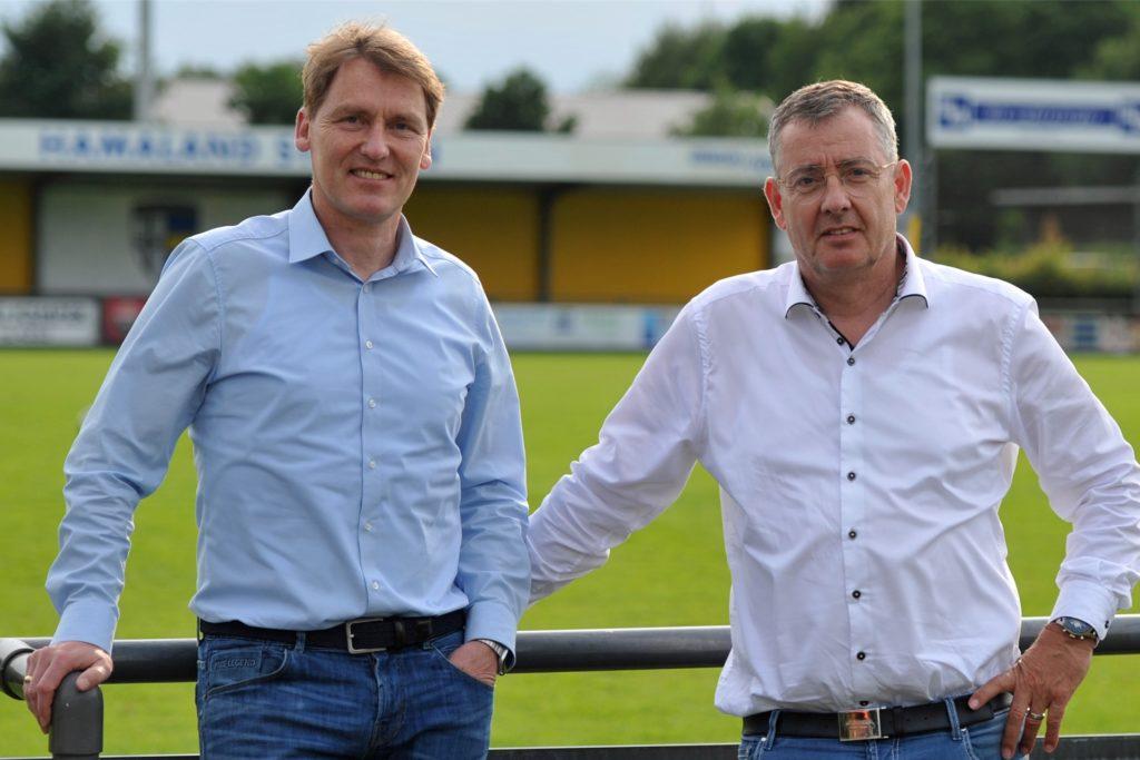 Mit dem Saisonstart bestens zufrieden: Christian Bengfort (2. Vorsitzender) und Klubchef Christoph Kondring (r.).