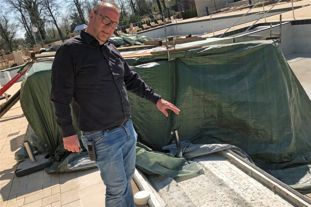 Die Sprudelliegen im Solebecken wurden bereits im Frühjahr repariert, als das Bad corona-bedingt geschlossen blieb.