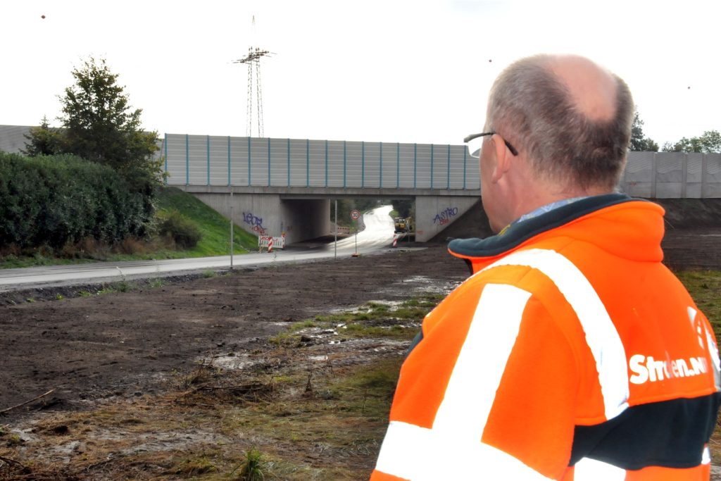 Ein Unikat ist die Autobahnbrücke Sölder Straße, die Bauüberwacher Carsten Freitag und sein Team in den vergangenen drei Jahren bei laufendem Verkehr neu gebaut haben. Externe Prüfer gaben ihr die Schulnote 1,5 - sehr gut.
