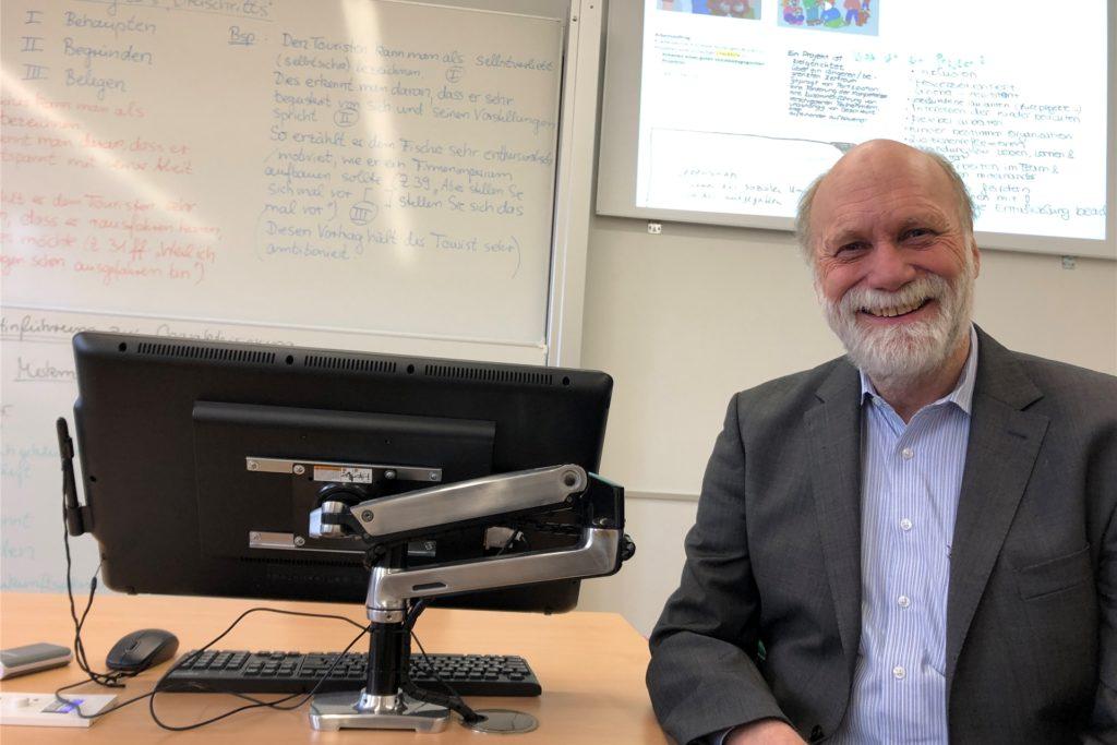 Fred Nierhauve hat bis Ende Februar das Berufskolleg in Castrop-Rauxel geleitet. Dann ist er in Pension gegangen.