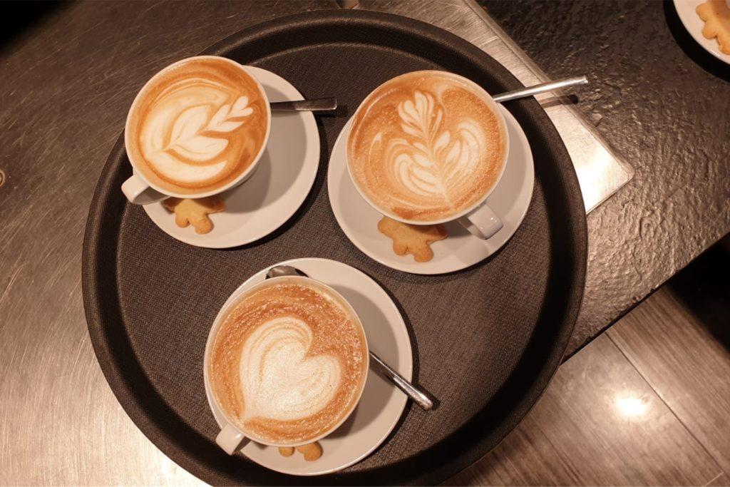 Kaffeemotive sind Silian Schröters Spezialität.