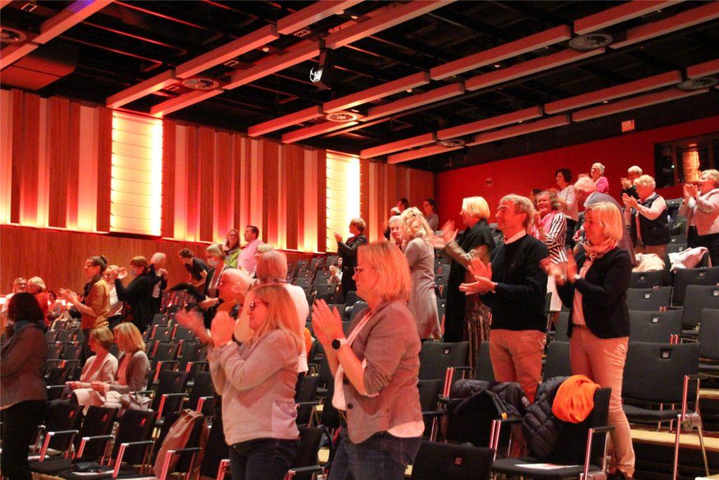 Das Publikum bedankte sich mit Standing Ovations.