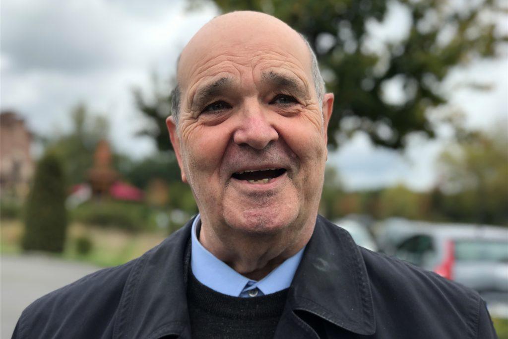 Reinhard Hörmann ist Priester, Monsignore, arbeitet ehrenamtlich als Schulseelsorger am Haranni-Gymnasium in Herne und gehört zum Seelsorger-Team des Pastoralverbundes Corpus Christi.