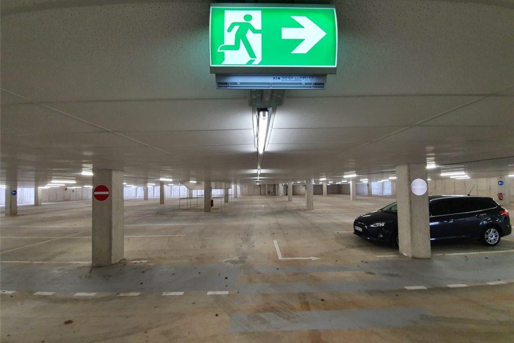 110 Autos können hier Platz finden. Am Freitag war die Auslastung noch überschaubar.
