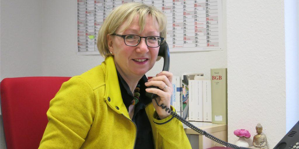 Rose Sommer leitet die Verbraucherzentrale in Castrop-Rauxel. Sie erklärt, was die geplanten neuen Corona-Bestimmungen für Reiserückkehrer in die Europastadt bedeuten.