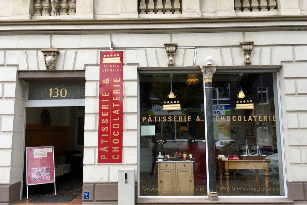 Die Patisserie und Chocolaterie liegt nur einen Steinwurf entfernt vom Phoenix-See an der Hermannstraße.