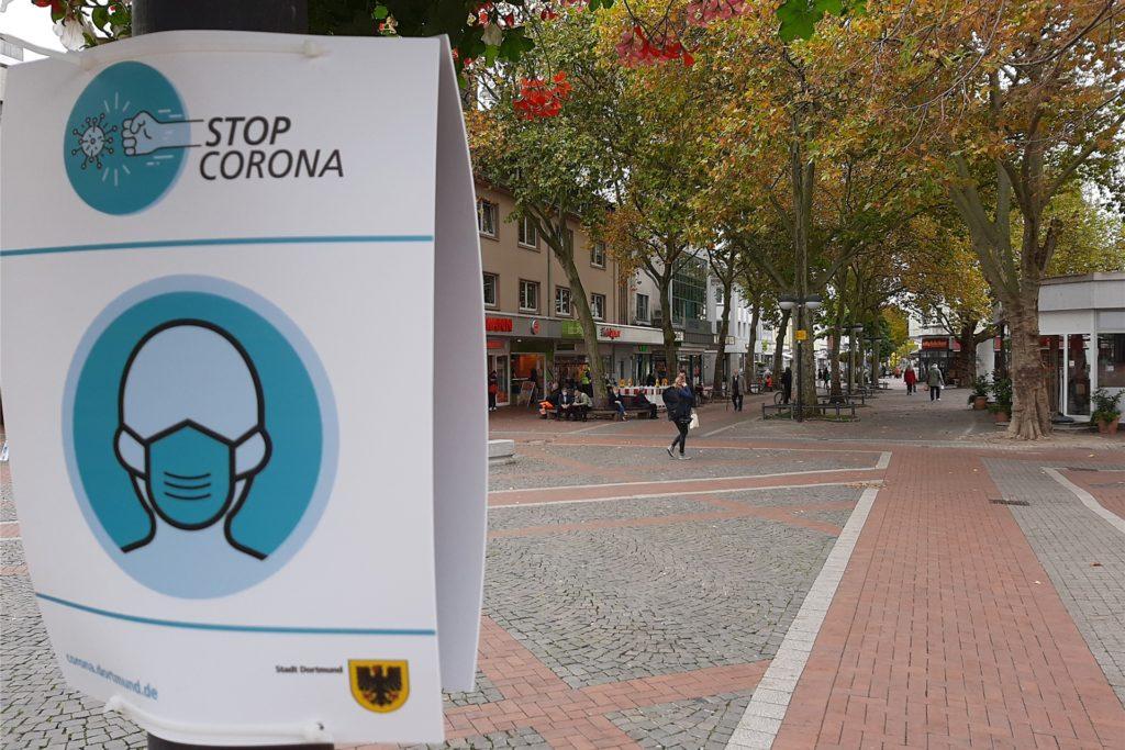So sehen die Hinweisschilder aus, die jetzt in der Fußgängerzone der Harkortstraße zu finden sind.