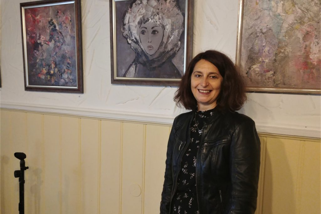 Die Künstlerin ist nicht vor Ort: Maria Rouev war ursprünglich nur vor Ort, um die bulgarische Künstlerin Genoveva Gencheva zu unterstützen. Doch Corona verhinderte die Einreise nach Dortmund.