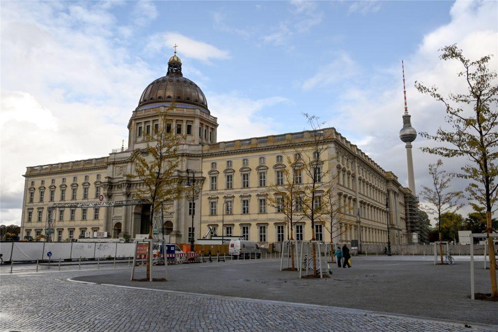 Im Spreekanal am Humboldt Forum soll laut beschlossenen Stadtumbauprojekt des Berliner Senats ein Flussbad entstehen.
