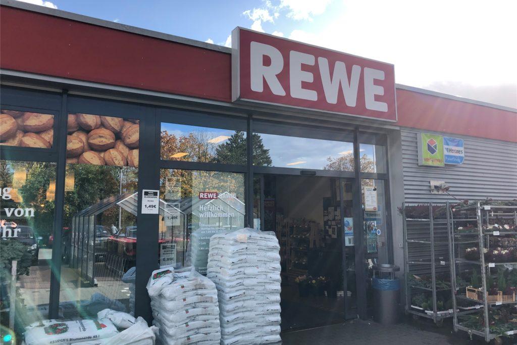 Der Rewe-Markt in der Selmer Altstadt bleibt erhalten, auch wenn es ab Sommer 2021 einen weiteren Rewe-Markt in Selm geben wird.