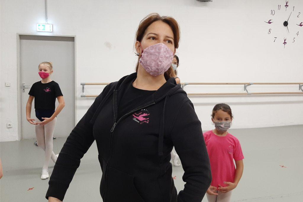 Diana Trendelkamp leitet eine Ballettschule in Dortmund. Aufgrund der neuen  Corona-Maßnahmen kann sie derzeit keinen Unterricht mehr für die Kinder anbieten.