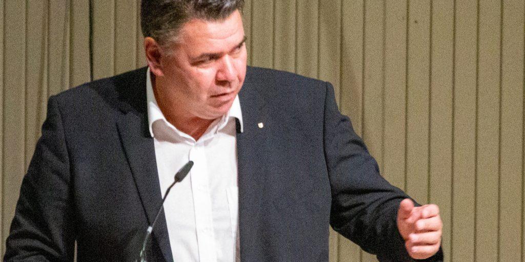 Landrat Mario Löhr (SPD) in der konstituierenden Sitzung des Kreistag in der Stadthalle Unna.