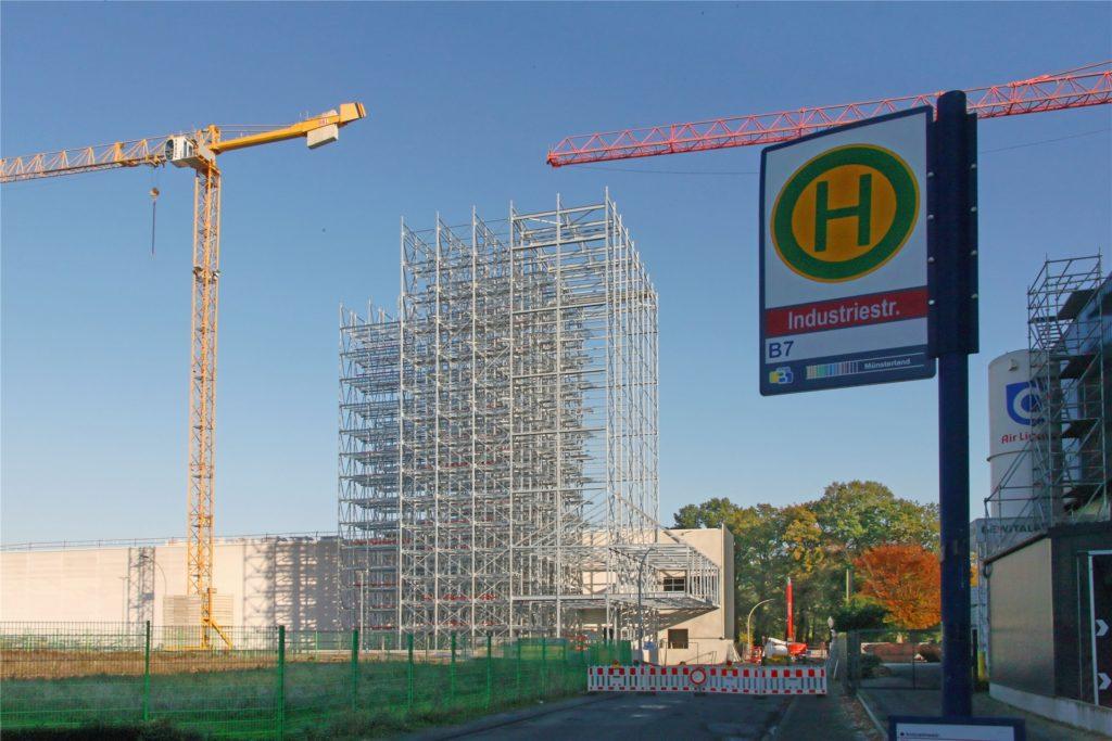Für die Bauarbeiten der Bewital-Unternehmensgruppe ist die Industriestraße in dem Bereich voll gesperrt.