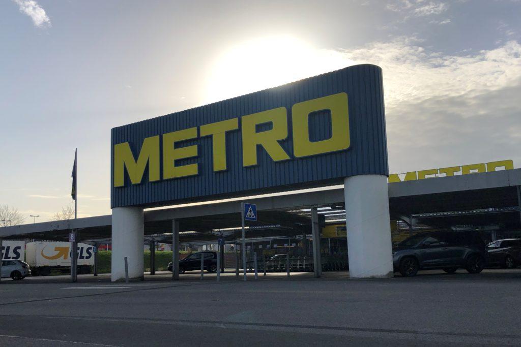 Die beiden Metro-Märkte in Dortmund - hier der Standort im Indupark in Oespel - sind in diesem Lockdown-Monat November ausnahmsweise auch für Endverbraucher geöffnet.