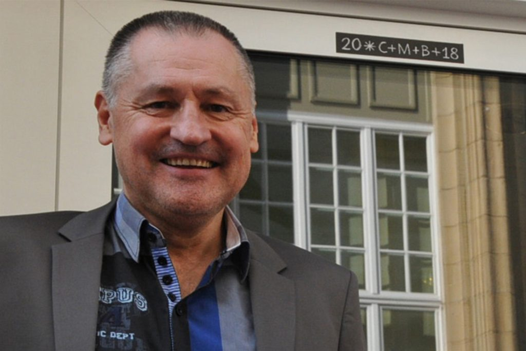 Dr. Friedrich Mayer, Schulleiter des Ernst-Barlach-Gymnasiums, sieht keine großen Probleme auf seine Schule zukommen, wenn die Weihnachtsferien vorgezogen werden.