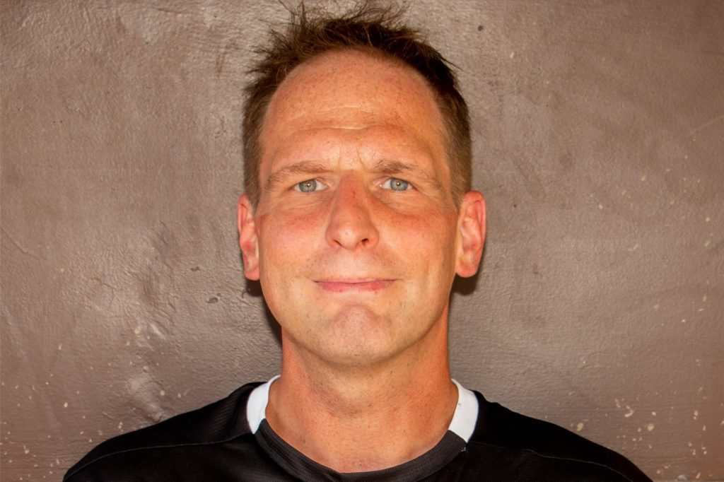 """Stephan Braun gehört fest zu der Fußballgruppe """"Untouchable United"""" und übernimmt vorwiegend organisatorische Aufgaben."""